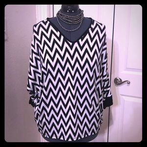 CHEVRON L/XL Cold Shoulder Batwing Tee T-shirt